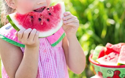 How parents can help set family meal habits to reduce picky eating